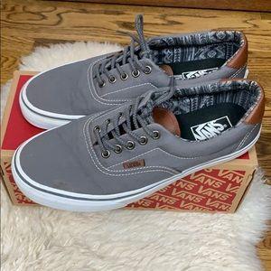 Vans Men's Size 9.5 Women's 11 Grey & Leather Shoe
